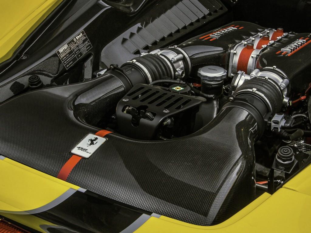 Ferrari 458 Speciale V8 6