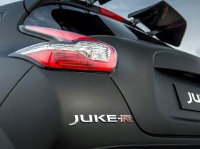 Nissan Juke-R 2.0 4